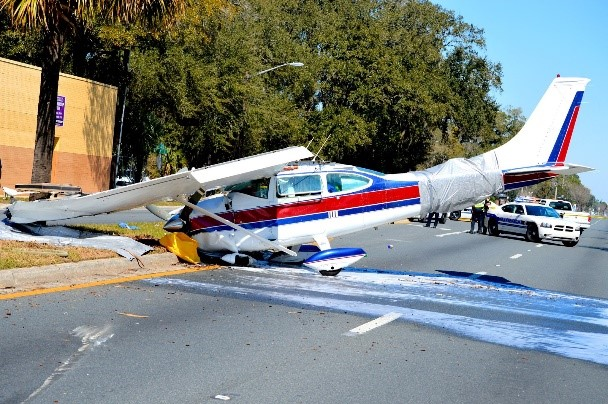 Plane crash showing an oil spill